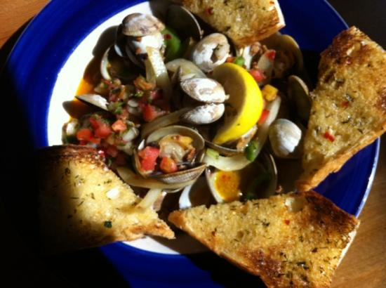 Indigo Kitchen & Ale House : pan roasted clams with chorizo