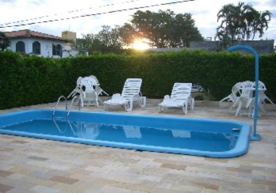 Pousada Marolas : La piscina, pequeña pero muy agradable.