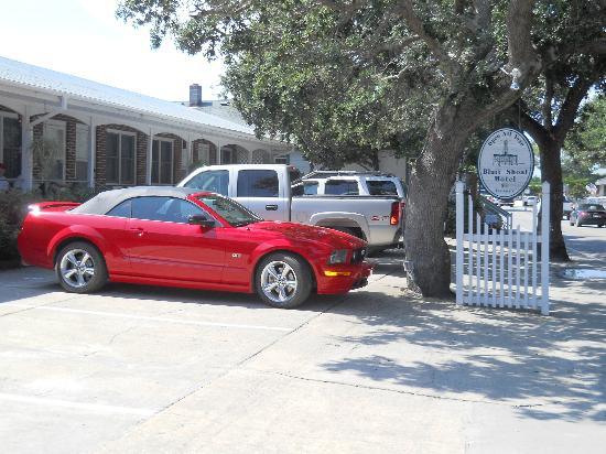 Bluff Shoal Motel: Private off street parking