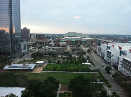 Hilton Americas - Houston: View of the park and downtown Houston