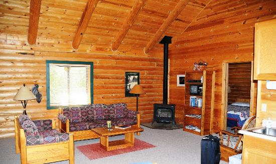 Yellowstone Country Bed and Breakfast : Another photo of our cabin