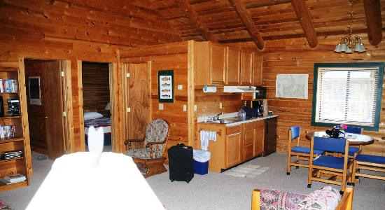 Yellowstone Country Bed and Breakfast : The Bear-1 Cabin