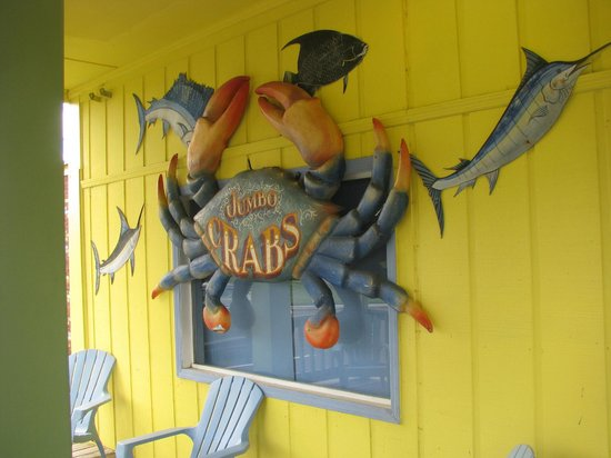 Captain Jack's Crab Shack: Wall Decorations