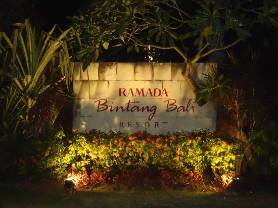 Bintang Bali Resort: Entrance Area to Ramada