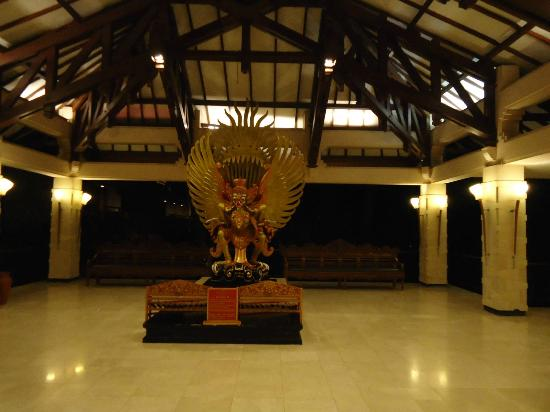 Ramada Bintang Bali Resort: Lobby Entrance Area