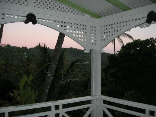 Fond Doux Plantation & Resort: Patio of the Hilltop Coconut Cottage