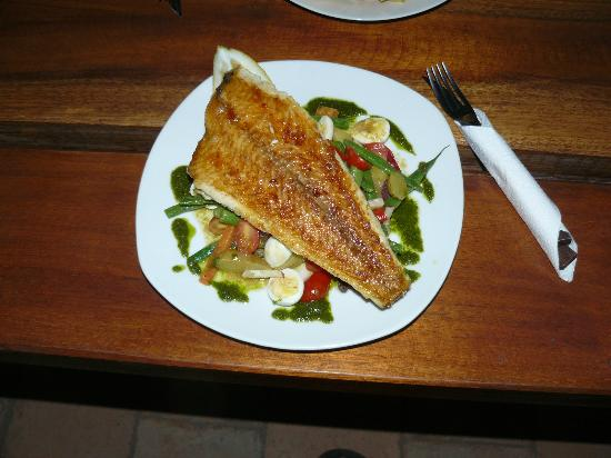 Big Ralph's Hostal : Fish dish prepared by Ralph