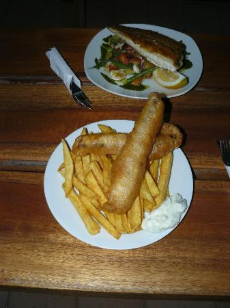 Big Ralph's Hostal: Fish & Chip - Ralph's  specialty