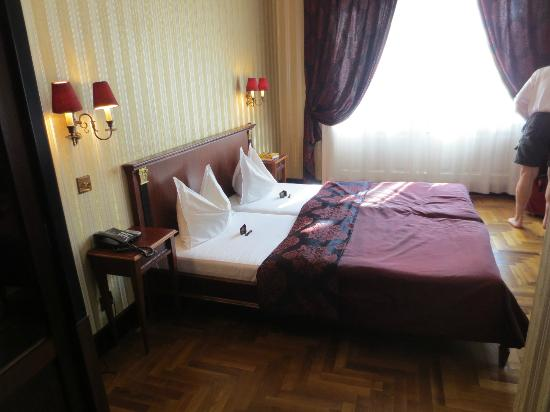 "Gerloczy Rooms de Lux: Double room on the ""red"" floor"