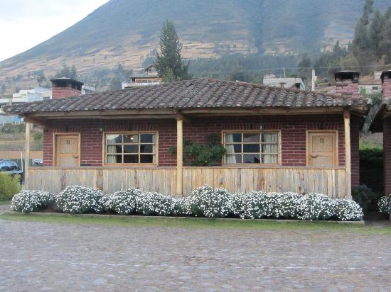 Hosteria Cabanas del Lago: A view of the lodge where my room was located.