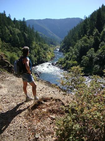 Morrisons Rogue Wilderness Adventures: Rogue River Hike