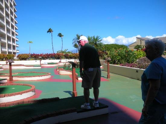 Ka'anapali Beach Club: Putt putt course on grounds