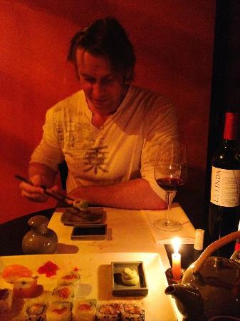 Itamae Sushi: enjoying late night dinner
