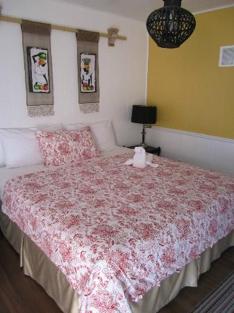 The Rex Motel: Large Bed