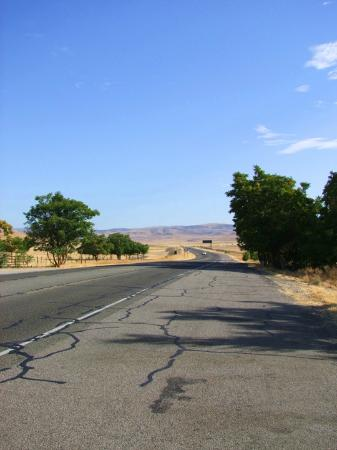 The Jack Ranch Cafe: The road, looking East from Jack's