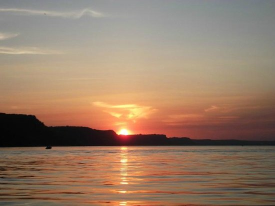 Camp Lacupolis: it's the beautiful sunset of Lake Pepin