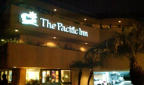 The Pacific Inn: Front