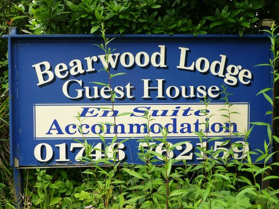 Bearwood Lodge Guest House: Entrance to House