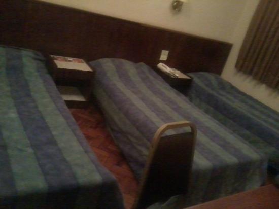 Plaza Hotel: Quarto triplo