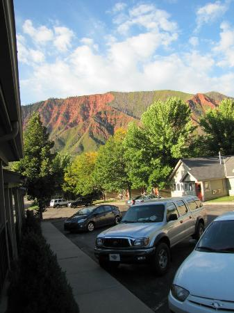 Red Mountain Inn: Just outside our room facing Red Mountain in the morning.
