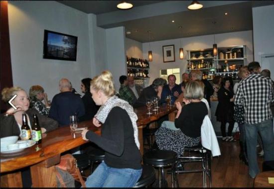 Grape & Grain Bar: bar mingle