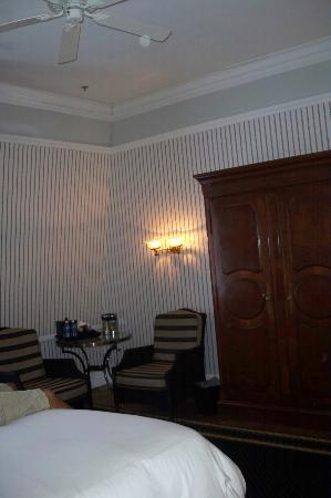 The Tremont House, A Wyndham Grand Hotel: Look at the orb on the ceiling fan