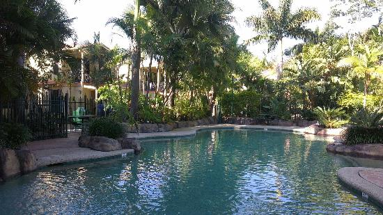 Ashmore Palms Holiday Village: Children-friendly pool area