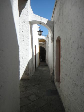 La Casa De Sillar: The entryway -- made out of sillar.