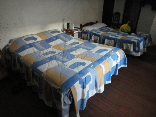 La Casa De Sillar: Our first room.