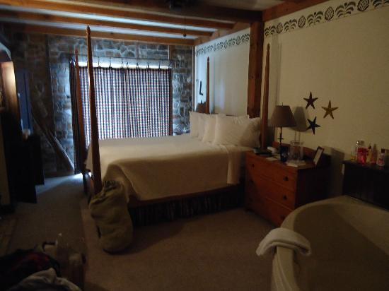 Blacksmith Inn On the Shore: Room #4 - Zahn House