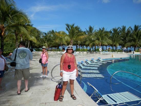 Paradise Beach: pool
