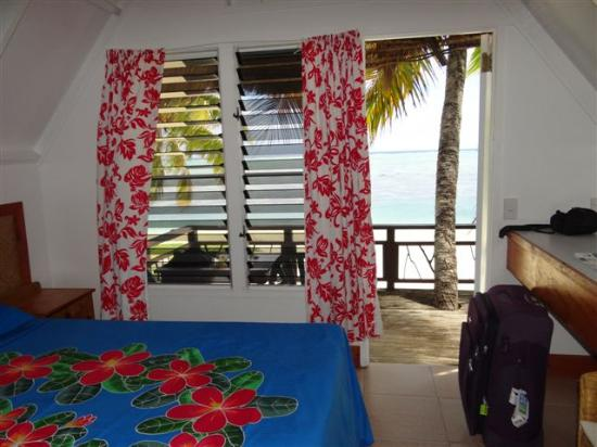 Paradise Cove Lodges: Bungalow 9 Room