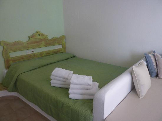 Kima Villa: Main Floor - Bedroom