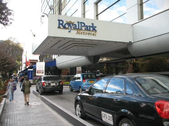 NH Bogota Metrotel Royal: Hotel entrance