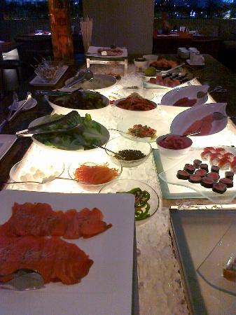 F All Day Dining Restaurant - F1 Hotel Manila: appetizers