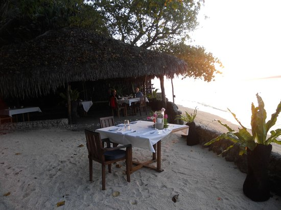 Paradise Cove Restaurant: What a lovely setting for a romantic candle-lit dinner