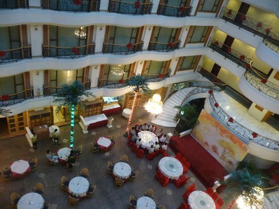 Guangzhou Hotel: Intérieur de l'hotel, restaurant au 5eme étage