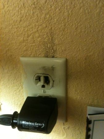 Red Roof Inn Amarillo West: fire safety??? this was like this when checked in!!!!!