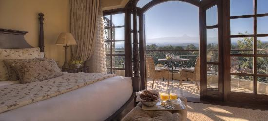 Fairmont Mount Kenya Safari Club: Sunrise from the Manor suites