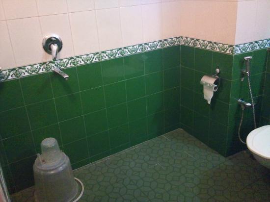 Aroma Classic Days: 1st Room bathroom