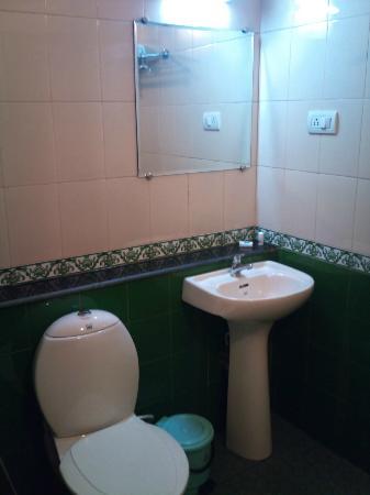 Aroma Classic Days: 1st Room bathroom 2