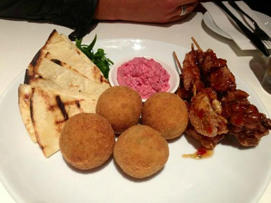 The Wharf : Entree Share Platter, Beetroot Dip, Mushroom risotto balls & satay chicken skewers