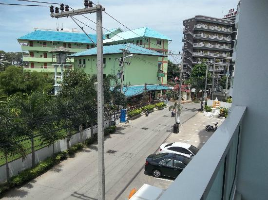 Amari Nova Suites Pattaya: view from room,front of hotel
