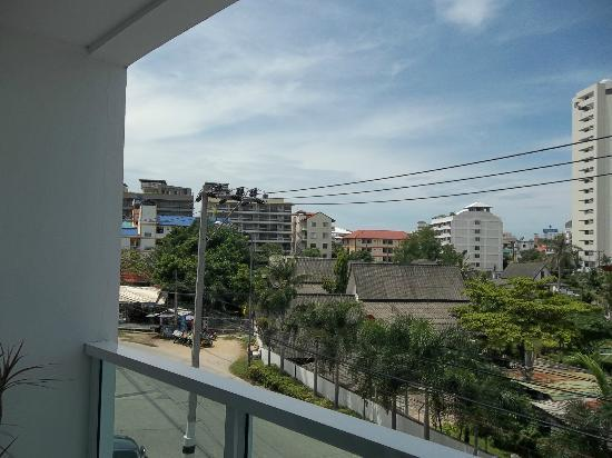 Amari Nova Suites Pattaya: view from room, front of hotel