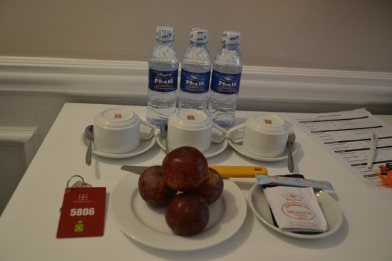 Calypso Suites Hotel: welcome fruits