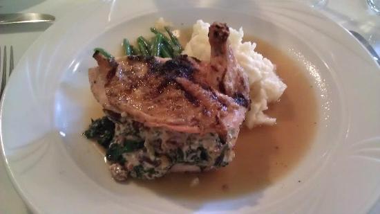 Coho Restaurant: Stuffed chicken