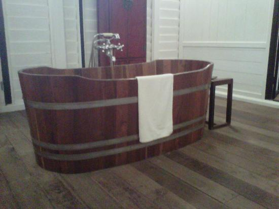 Temple Tree at Bon Ton: Free standing Bathtub