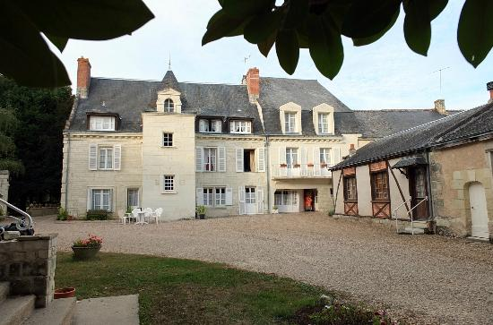 Logis Manoir de la Giraudiere: la façade de l'hôtel