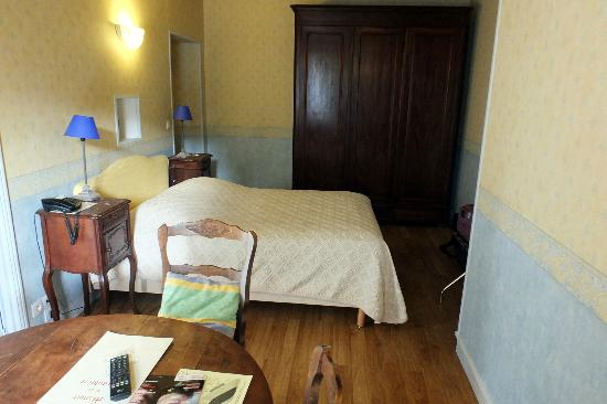 Manoir de la Giraudiere: Un aspect de la chambre