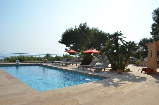 Villa Azur Golf : Piscina